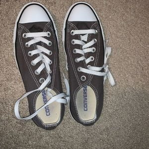 Grey low top Converse